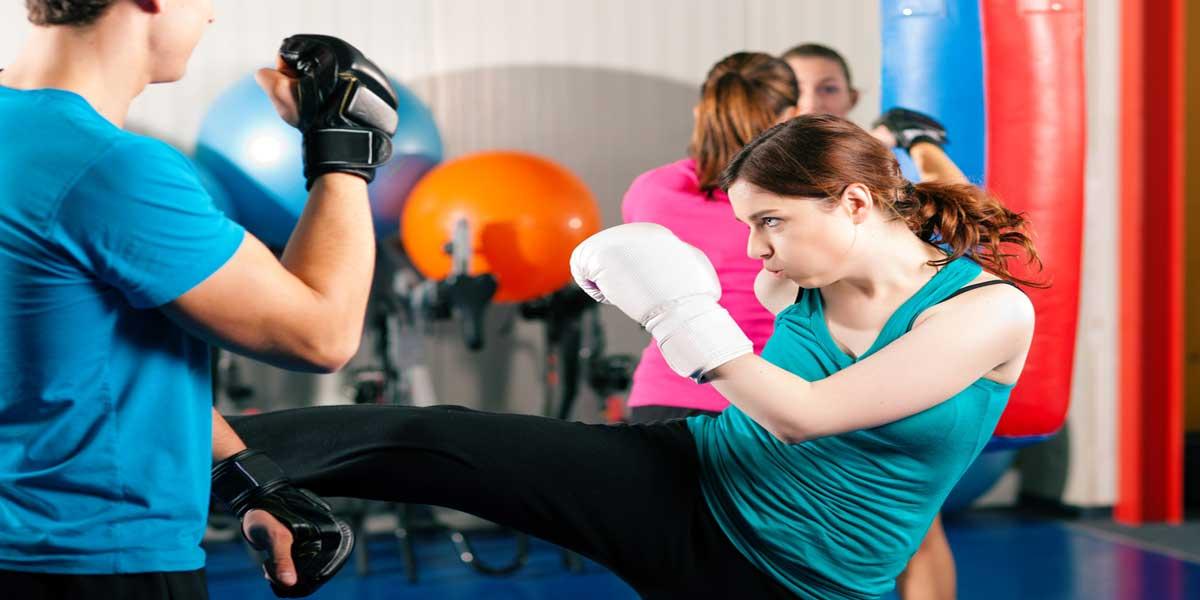 Lady kickboxing